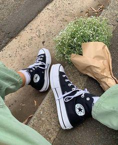 shoes in style 2020 ~ shoes in style - shoes in style 2020 - shoes in style for 2019 - shoes in style sneakers - shoes in style right now - shoes in style spring 2019 - shoes in style women Mode Converse, Converse Sneaker, Sneaker Outfits, Black Converse Outfits, Converse Hightops, Converse Style, White Converse, Moda Sneakers, Sneakers Mode