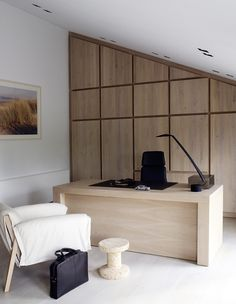 Home office design ideas - Workplace at home should have maximum comfort level. Design and decoration is an important factor that affects the comfort of your home office. Office Interior Design, Office Interiors, Best Interior, Interior And Exterior, Interior Work, Office Workspace, Office Decor, Office Ideas, Best Office