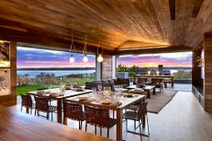 dining + living room | open #home layout w/an illuminated sky backdrop #dreamy