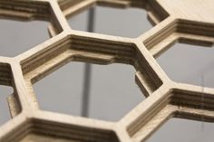 Wooden Table with Unique Surface of Honeycomb Pattern This unique coffee table designed by Sam Stringleman, based in the idea to make a table with support Hexagon Coffee Table, Unique Coffee Table, Coffe Table, Coffee Table Design, Cnc, Materials And Structures, Joinery Details, Design Blog, Design Ideas