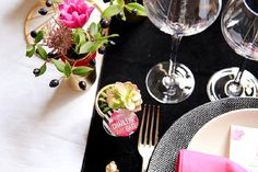table setting black and pink | Image by Cillia Ciabrini Photography
