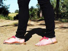 Nos calzamos nuestras sandalias de @Marypaz Hernandez Shoes y ¡a disfrutar del fin de semana! http://www.roperodenataly.blogspot.com pic.twitter.com/URsDTVUR7J