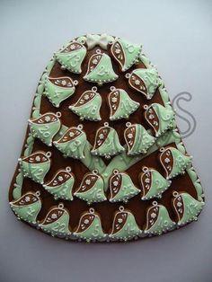 Adventní kalendář - zvon zelený | Perníky Christmas Desserts, Holiday Treats, Christmas Cookies, Christmas Time, Polymer Clay Christmas, No Bake Cookies, Tis The Season, Advent Calendar, Gingerbread