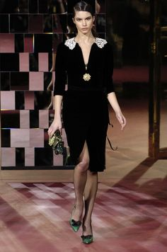 Dolce & Gabbana at Milan Fashion Week Fall 2004 - Runway Photos