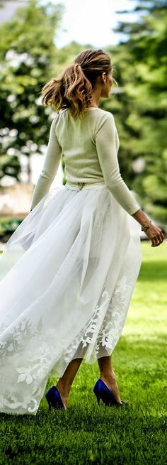 Olivia Palermo married longtime love Johannes Huebl (Carolina Herrera skirt, Manolo Blahnik shoes)