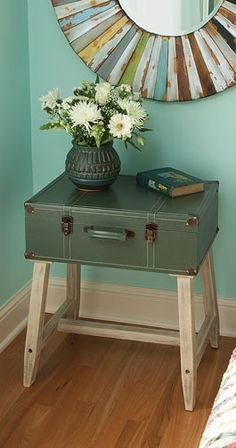 Re-purposed suitcase becomes cute tabletop...Love the mirror!