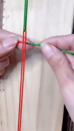 Braided rope art embossing - You are in the right place about diy home decor Here we offer you the most beautiful pictures abou - Diy Friendship Bracelets Patterns, Diy Bracelets Easy, Bracelet Crafts, Braided Bracelets, Jewelry Crafts, String Bracelet Patterns, Diy Bracelets With String, Handmade Jewelry, Diy Crafts Hacks