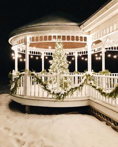 Good night everyone White Christmas Snow, Christmas Porch, Winter Christmas, All Things Christmas, Christmas Holidays, Christmas Decorations, Xmas, Christmas Images, Happy Holidays