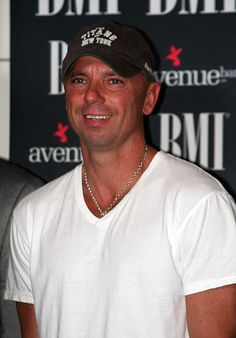 Kenny Chesney Supports The Brees Dream Foundation With Benefit Concert May 12 At The House Of Blues New Orleans