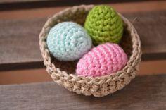 Gratis Anleitung für ein gehäkeltes Osternest: http://schautmal.de/anleitung-nest-und-korb/ #Häkeln #crochet #free #pattern #Anleitung #Ostern