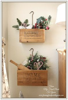 French Farmhouse Christmas Kitchen - DIY - Nice wall display idea for the holidays or all year round French Christmas, Christmas Love, Country Christmas, All Things Christmas, Vintage Christmas, Christmas Holidays, Christmas Decorations, Holiday Decor, Nordic Christmas