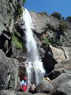 Chorro de la Ventera, cascada de 80 m en La Vera. Haz canyoning, trekking a un paso de Madrigal de la Vera, Caceres, Extremadura.