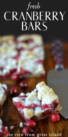 Fresh Cranberry Bars Fresh Cranberry Bars ~ these buttery shortbread crumble bars are bursting with fresh tart cranberries and the combination is pure heaven! Cranberry Cookies, Cranberry Bars, Cranberry Dessert, Cranberry Orange Muffins, Cranberry Bread, Köstliche Desserts, Best Dessert Recipes, Sweet Recipes, Noel