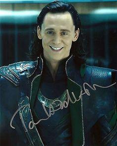 tom hiddleston in Entertainment Memorabilia