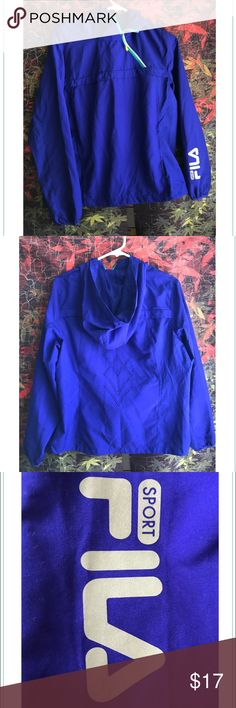 Fila Sport Jacket Windbreaker Med Women Royal Blue Up for sale is womens Fila Sport Pullover jacket with a hoodie. This is a good lightweight jacket for running or even if you're in to sporty fashion. The color is vibrant it reflective logo and trim. Brand: Fila Sport Size: Women's Medium Color: Royal Blue Material: 100% Polyester Condition: Used Good Condition Details: Angled zipper, elastic drawstring, slight wear on bottom zipper area shown in pic. Please contact me with any questions or…