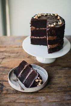How to Make Chocolate Hazelnut Layer Cake Dessert Recipe Chocolate Filling, Chocolate Cake, Food Cakes, Cupcake Cakes, Cupcakes, Cake Recipes, Dessert Recipes, Funnel Cakes, Cake Photography