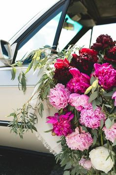 Ombré Peony Floral Installation in a Vintage BMW car. DIY and craft tutorial. Tips for shopping for peonies, arrangement peonies, how to care for peonies. #vintageBMW #vintagecar #peonies #floralinstallation #wedding #getawaycar #weddingcar #peony #peonya Peony Arrangement, Floral Arrangements, Peony Care, Peonies Season, Gazebo, Diy Ombre, Peonies Garden, Pink Peonies, Peonies Bouquet