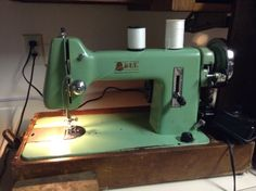 NICE VINTAGE BELL Sewing Machine Model 201 TESTED WORKS GREAT CIRCA 1940-1950's