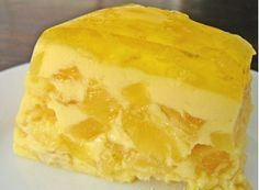 pudim de abacaxi Easy Desserts, Delicious Desserts, Dessert Recipes, Yummy Food, Portuguese Desserts, Portuguese Recipes, Charlotte Au Fruit, Brazillian Food, Dessert Drinks