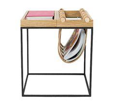 Table d'appoint pour magazines noire - Warm North - Visuel 1 Magazine Bleu, Ikea, Petites Tables, Deco Design, Industrial Design, Tablescapes, Entryway Tables, Furniture Design, Warm