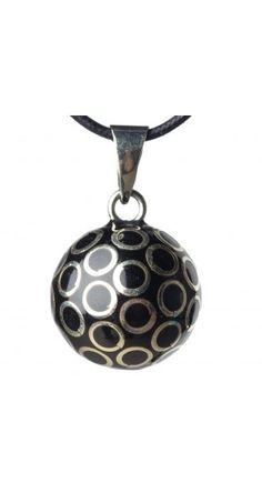 http://www.enviedefraises.fr/5243-18414-thickbox/bijou-femme-enceinte-bola-noir-ronds-argent.jpg