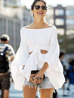 The Latest Street Style Photos From New York Fashion Week - Total Street Style Looks And Fashion Outfit Ideas Foto Fashion, Fashion Mode, Modest Fashion, Womens Fashion, Fashion Trends, Luxury Fashion, Fashion Heels, Trendy Fashion, New York Fashion Week Street Style