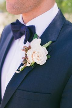 Blush rose boutonniere: http://www.stylemepretty.com/little-black-book-blog/2015/04/29/gold-glitter-blush-calabasas-wedding/ | Photography: Onelove - http://www.onelove-photo.com/