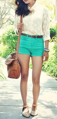 lovelovelove the lace shirt! and high watsed shorts!