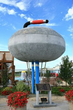 world's largest curling rock. in Arborg, Manitoba? I think the rock @ St. George's in Thunder Bay is bigger. Huge Master Bedroom, Master Bedroom Design, Cozy Bedroom, Modern Bedroom Design, Contemporary Bedroom, Curling Stone, Small Bedroom Furniture, Big Bedrooms, Luxurious Bedrooms