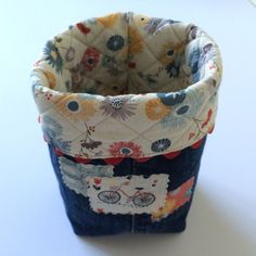 Recycle Old Jeans Into Charming Baskets - Quilting Digest Sewing Hacks, Sewing Tutorials, Sewing Crafts, Quilting Tutorials, Sewing Tips, Sewing Ideas, Diy Crafts, Quilting Projects, Sewing Projects