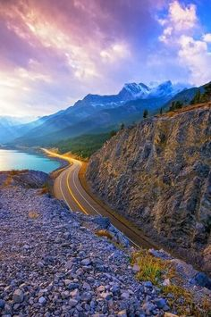 "our-amazing-world: "" Lake Highway, Albert Amazing World """