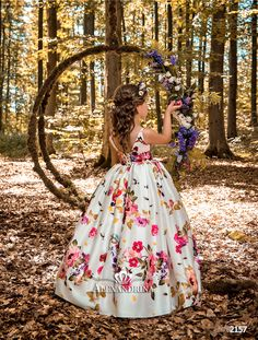 High quality hand-made dresses for girls for whole spectrum of special ocasions: flower girl dresses, first communion dresses, birthday party dresses. Gowns For Girls, Girls Party Dress, Birthday Dresses, Little Girl Dresses, Girls Dresses, Flower Girl Dresses, Baby Girl Dress Patterns, Baby Dress, Kids Clothing Canada