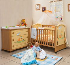 Βρεφική κούνια Σοφία με ρυθμιζόμενα καθ'ύψος κάγκελα και κεφαλάρια. Μετατρέπεται σε καναπέ. Toddler Bed, Furniture, Home Decor, Bebe, Child Bed, Decoration Home, Room Decor, Home Furnishings, Home Interior Design