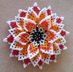 This Pin was discovered by Вар Beaded Flowers Patterns, Bead Loom Patterns, Beaded Jewelry Patterns, Beading Patterns, Seed Bead Flowers, French Beaded Flowers, Seed Bead Projects, Beading Projects, Beaded Crafts