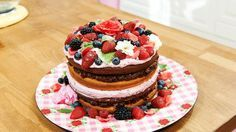 Rosen-Waldfrucht-Torte - Naked Cake
