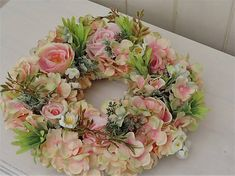 Clarah / Jarný venček Floral Wreath, Wreaths, Blog, Home Decor, Fabrics, Garlands, Flower Crowns, Door Wreaths, Deco Mesh Wreaths