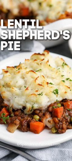 Tender lentils simmered in a rich savory broth, topped with creamy mashed potatoes create this Vegetarian Shepherd's Pie recipe. Bake until golden and bubbly for comforting meatless main dish! Vegetarian Recipes Videos, Vegetarian Breakfast Recipes, Vegetarian Recipes Dinner, Veggie Recipes, Whole Food Recipes, Cooking Recipes, Dinner Healthy, Dinner Recipes, Veggie Main Dishes