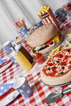 Hamburger & Pizza cakes © Íris Martensdóttir
