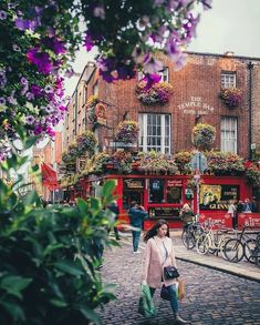 >>> See >>> See Temple Bar coming and going Dublin Ireland Photo: Congrats TAG your BEST friends Dublin Nightlife, Dublin Restaurants, Dublin Pubs, Dublin Ireland, Dublin Food, Dublin Shopping, Dublin Travel, Europe Photos, Travel Photos