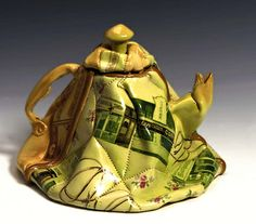 Quilted Teapot by Nancy Selvin / American Art Teapots And Cups, Ceramic Teapots, Ceramic Pottery, Ceramic Art, Cute Teapot, Teapots Unique, Tea For One, Tea Art, Contemporary Ceramics