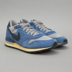 finest selection 4cbe2 b5ada Nike Air Epic Vintage QS in Medium Grey  Obsidian Blue A nice kick Running  Shoes
