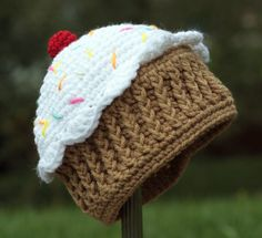 Pattern for a Crochet One Year Cupcake Hat for Infant and Toddlers Photo Prop