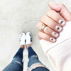 makeup design nail makeup art makeup design nail designs makeup nailart and nail makeup nail art designs blue prom dress makeup nail design Minimalist Nails, Nude Nails, Nail Manicure, Ten Nails, Short Nails Art, Edgy Nail Art, Chrome Nails, Nagel Gel, Stylish Nails