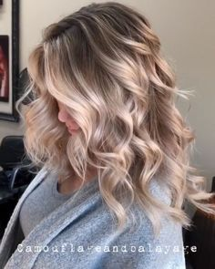 Hair Styles 2018 Ice Ice Baby Icy ❄️ Blonde Contrast Babylights, tease foiling and reverse balayage to break up old lines and add depth Pm Shines and Toned with and Discovred by : Style Estate Icy Blonde, Brown Blonde Hair, Blonde Balayage, Blonde Shades, Winter Blonde, Blonde Honey, Honey Balayage, Medium Blonde Hair, Honey Hair