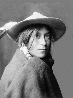 Tewa woman, Whyay-Ring, Santa Clara Pueblo, New Mexico. Photographed by Edward S. Curtis, ca. 1905.