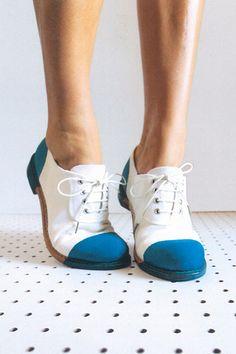 A partir d'une paire de chaussure blanche ne teinter que bout... Valsilve.
