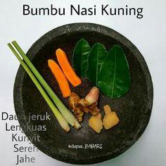 Bumbu nasi kuning Easy Cooking, Cooking Recipes, Indonesian Cuisine, Indonesian Recipes, Malay Food, Western Food, Malaysian Food, Base Foods, International Recipes