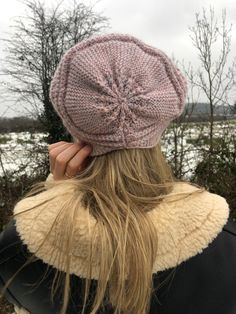 Handmade Shop, Etsy Handmade, Handmade Gifts, Wooly Hats, Knitted Hats, Etsy Crafts, Circle Design, Knit Beanie, Wool Yarn
