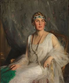 Victoria Eugenie of Battenberg (Victoria Eugenie Julia Ena) 1897-1969 was Queen of Spain as the wife of King Alfonso XIII. Asian History, British History, Tudor History, European History, Queen Victoria Facts, Queen Victoria Family Tree, Godmother Dress, Princesa Victoria, Reine Victoria