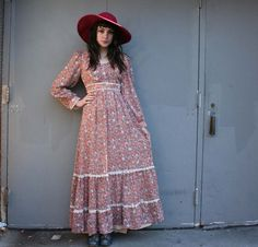 the perfect vintage maxi dress for fall - cocoa & peach floral!